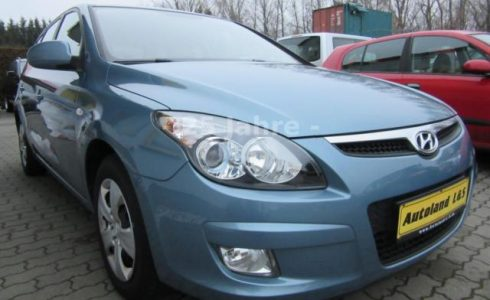 Gebrauchtwagen Hyundai i30 1.6 CRDi blau metallic