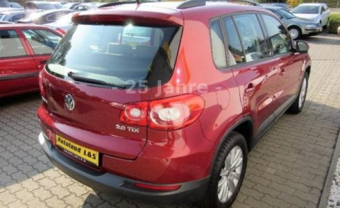 VW Tiguan Heck Farbe rot metallic