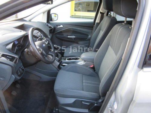 Bild von der Cockpit Ansicht Innenraum Ford Grand C-Max Titanium