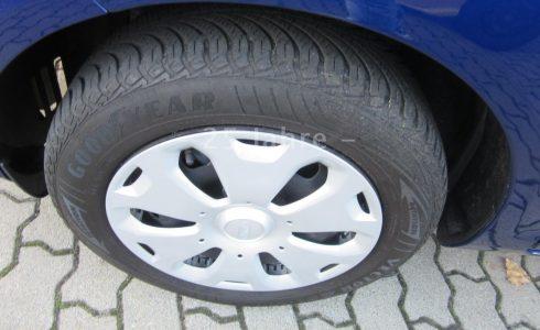 Ford-Fiesta-Ambiente-Reifen-neu