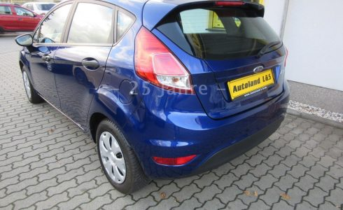 Ford-Fiesta-Ambiente-metallic-blau-Heck